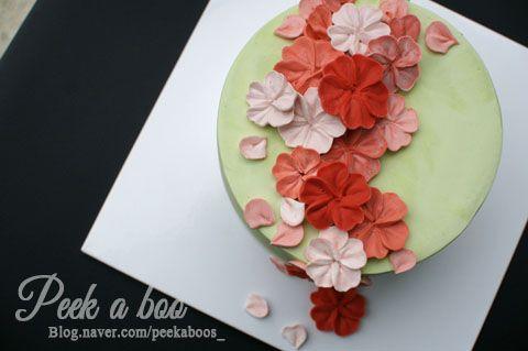 벚꽃케이크/플라워케이크/sakura/ cherry blossom/ cherry blossom cake/flower cake/butter cream cake