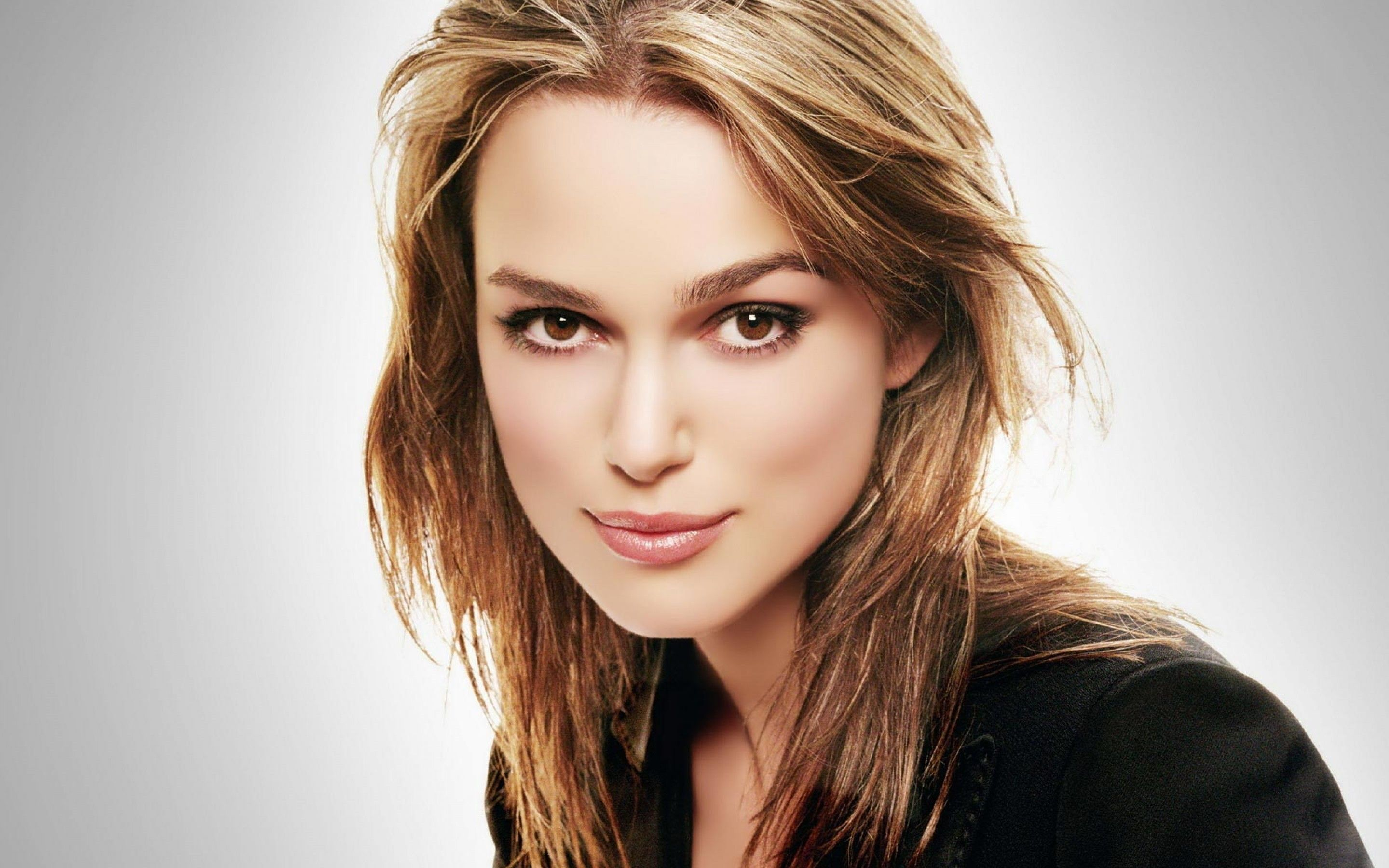 Keira Knightley earned a  million dollar salary, leaving the net worth at 50 million in 2017