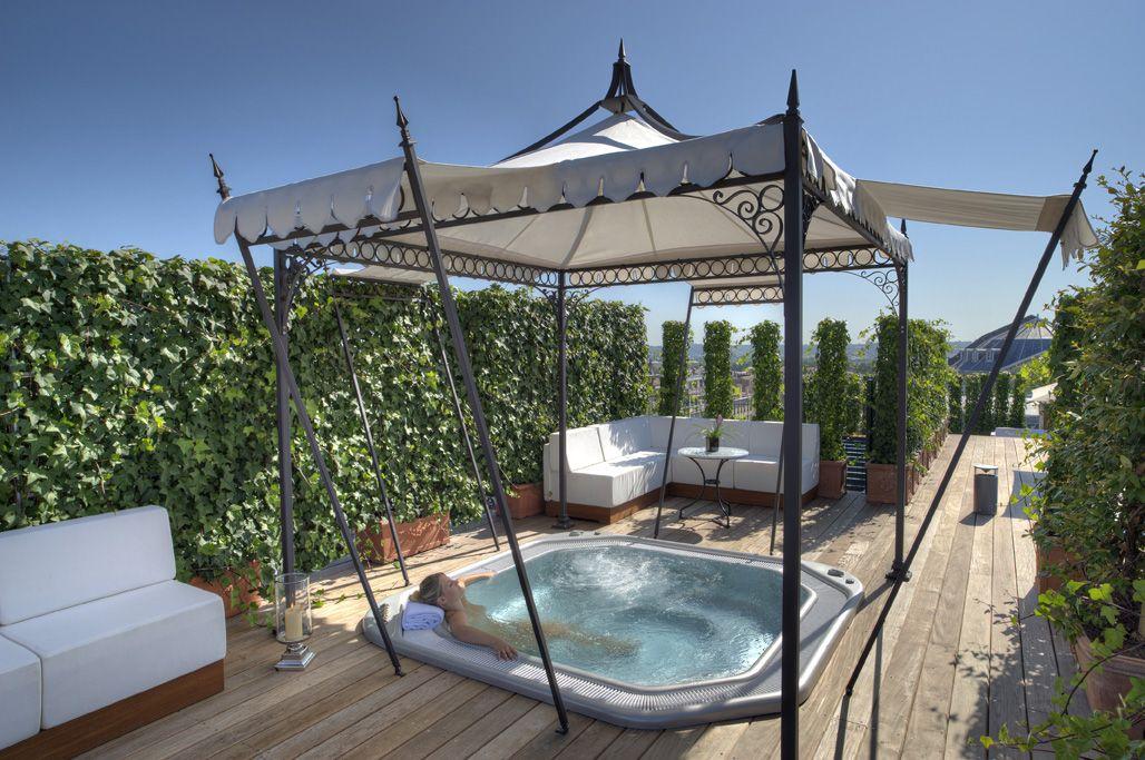 terrasse jacuzzi bar sur le toit terrasses balcons sur. Black Bedroom Furniture Sets. Home Design Ideas