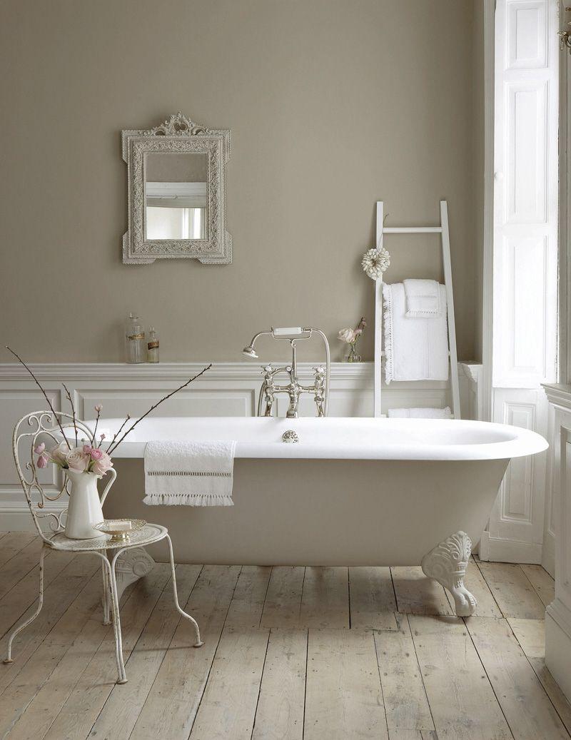 Vloer en wandbekleding compleet badkamers badkamer pinterest neutral paint and wainscoting - Badkamer retro chic ...