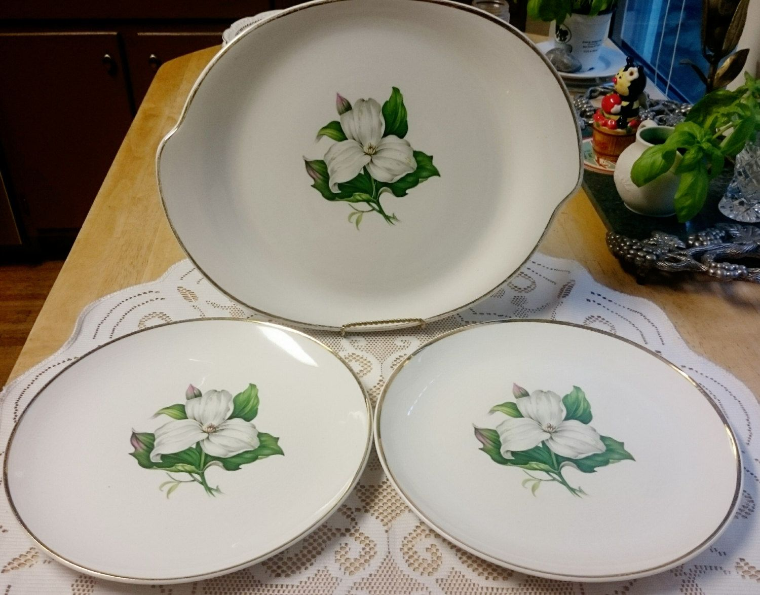 The American Limoges Glamour -Trillium Made in the USA Gold trim 2 Plates and Large Platter by AntiquatedElegance on Etsy & The American Limoges Glamour -Trillium G-410 Made in the USA 22k ...