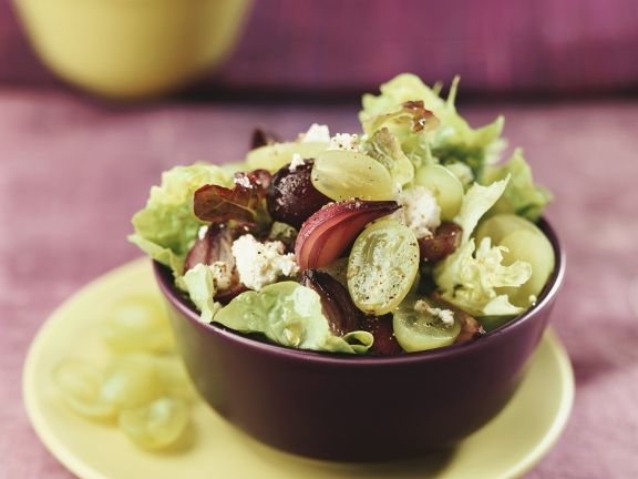 Fruchtiger Blattsalat ist ein Rezept mit frischen Zutaten aus der Kategorie Zwiebelgemüse. Probieren Sie dieses und weitere Rezepte von EAT SMARTER!