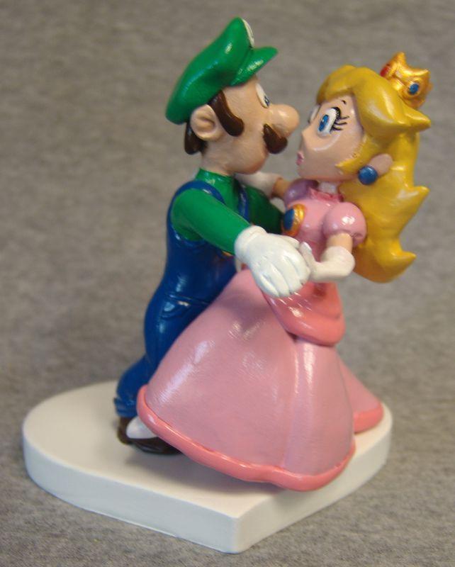 Mario & Princess Peach Cake Topper | Princess peach, Peach cake and ...