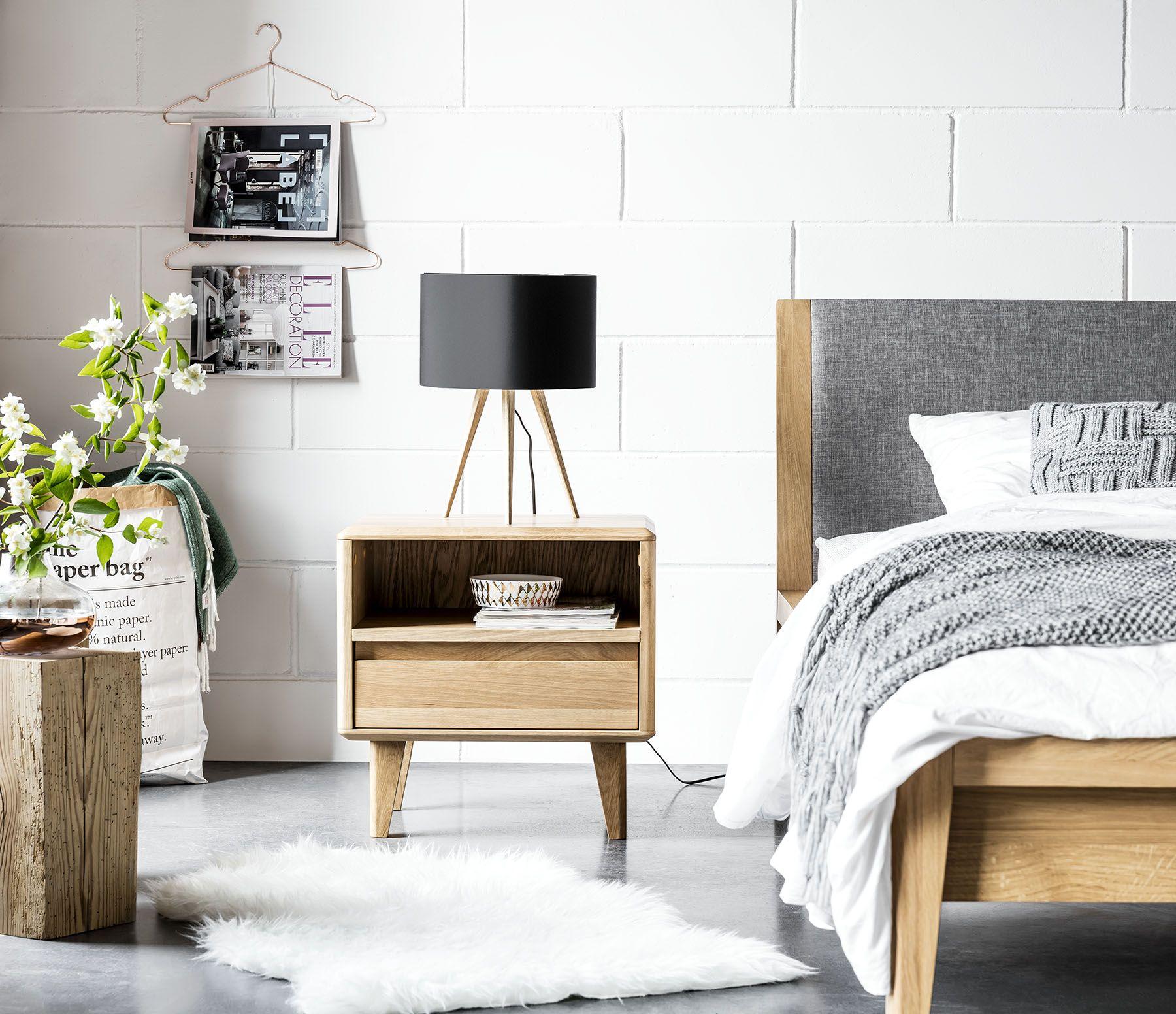 Schlafzimmer im skandinavischen Stil lädt zum Entspannen