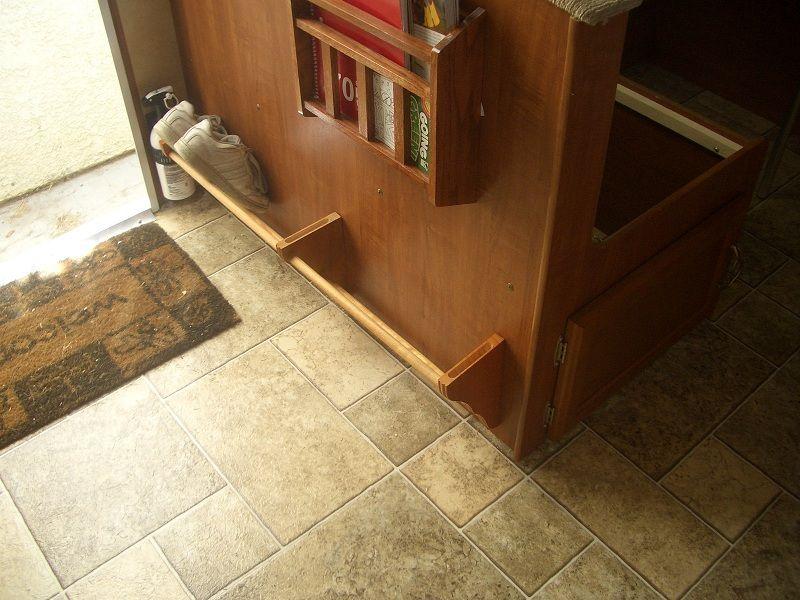 schuh aufbewahrung info pinterest wohnwagen wohnmobil und schuhe. Black Bedroom Furniture Sets. Home Design Ideas