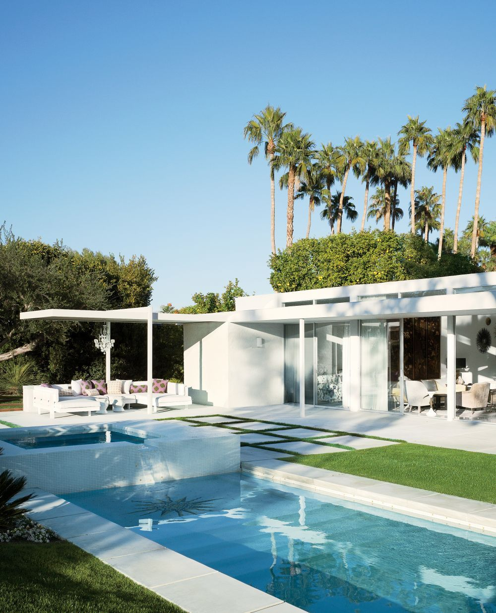 Spotlight On Palm Springs Style Outdoor Areas: Modern Pool By Emily Summers Design Associates And O2