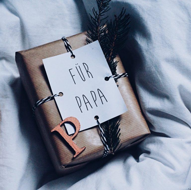 Geschenke kreativ verpacken + Geschenkanhänger zum Ausdrucken — hochseiltraum
