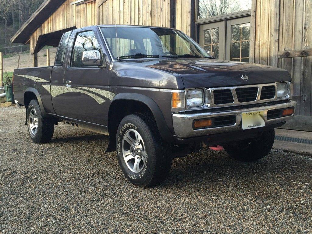 1995 Nissan Frontier Xe Hardbody Pickup 4x4 2 4l In 2020 Nissan Pick Up Nissan Nissan Frontier