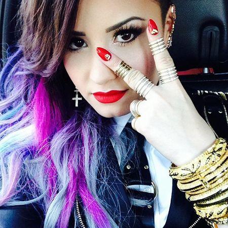 Demi Lovato's Best Instagram Selfies & Photos