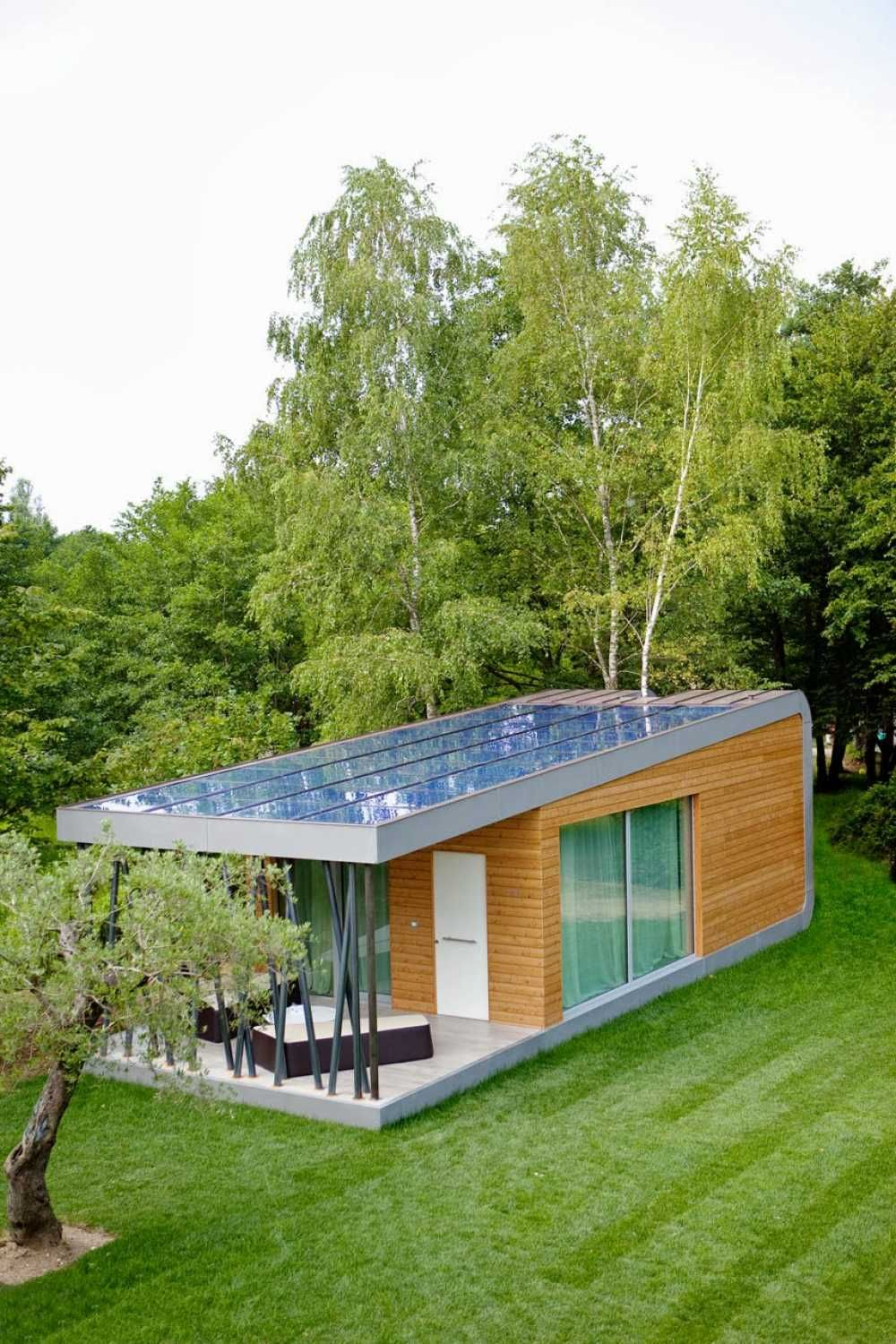 eco friendly house design with solar energy wit large garden ...
