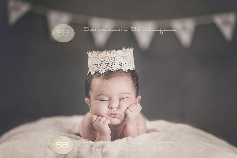 Sensuum Boutique © #fotoartistica #Miriam #artisticnewborn #reciennacido #Merida #bebe #sensuum #Meridafotografos #fotografoprofesional #fotografodebebe #apasionarte #enamorarte #emocionarte #familia #bookfamilia #bookreciennacido #reportajebebe #javisensuum #extremadura #newborn #newbornphotographer #fotografoespecializadobebe #Badajoz #Caceres #Calamonte #lovephoto #newborn #newbornportraits #newbornphotographer #meridanewborn #portraits #retrato #kiss sensuumboutique@gmail.com…