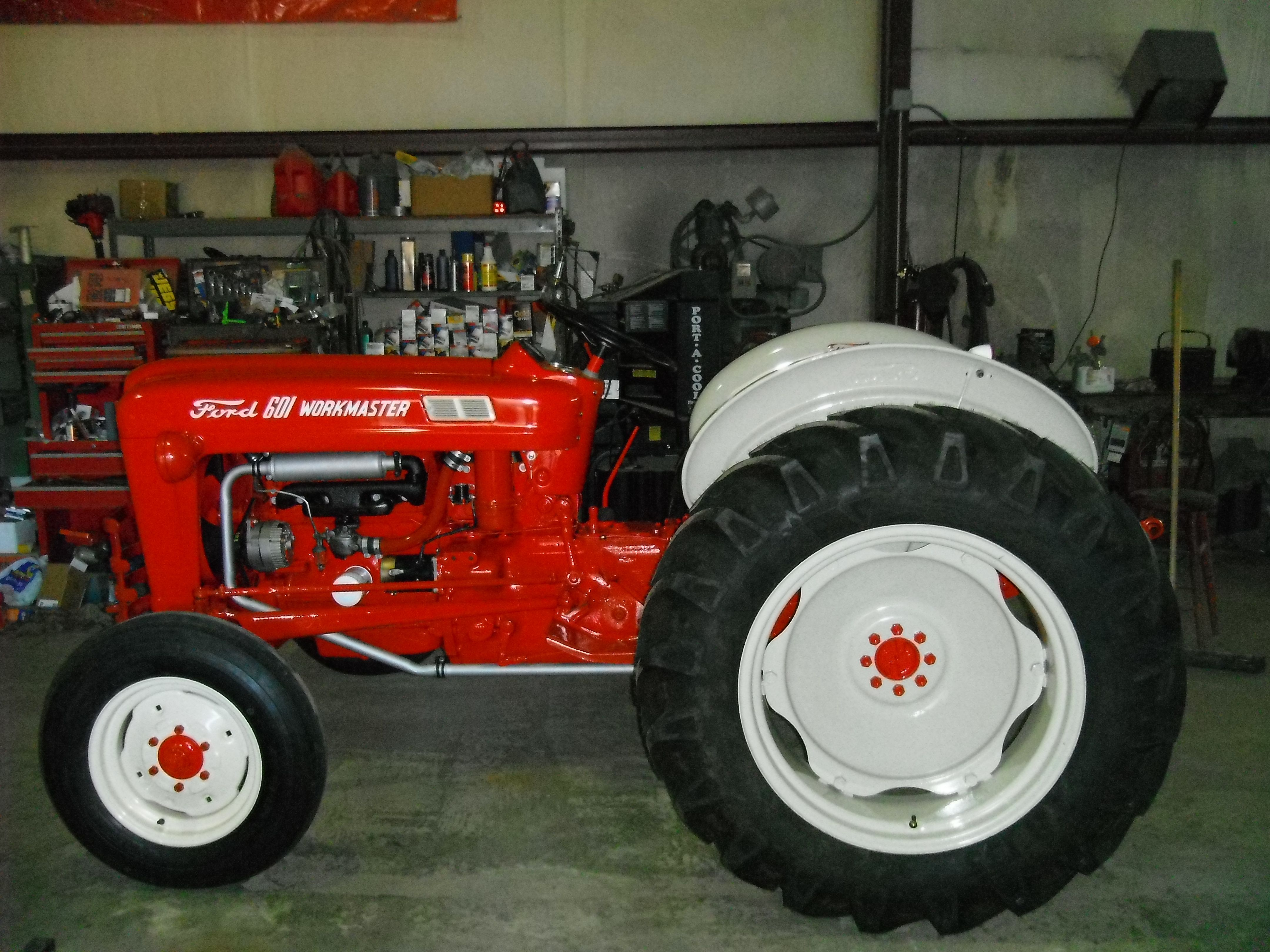 601 Ford Tractor Diesel : Ford workmaster tractors and other farm equipment