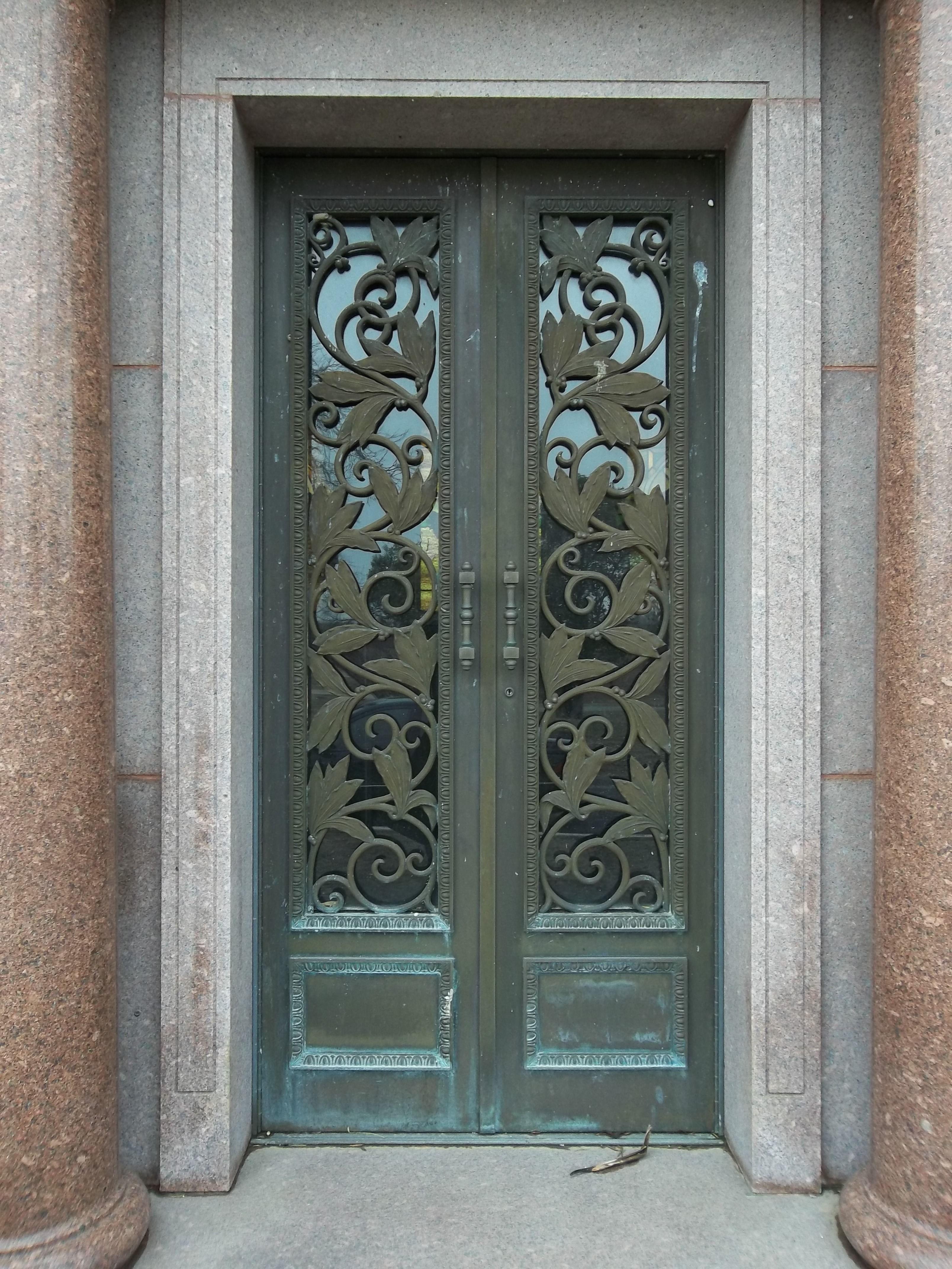Mausoleum doors - Art Nouveau grillwork Mission Park Cemetery San Antonio TX & Mausoleum doors - Art Nouveau grillwork Mission Park Cemetery San ... Pezcame.Com