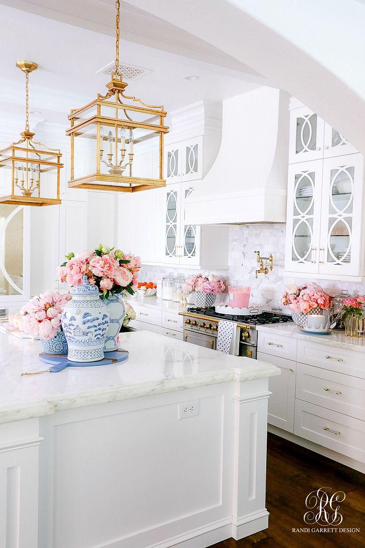 Southern Charm Inspired Spring Home Tour Randi Garrett Design In 2020 Gorgeous White Kitchen Gorgeous Kitchens