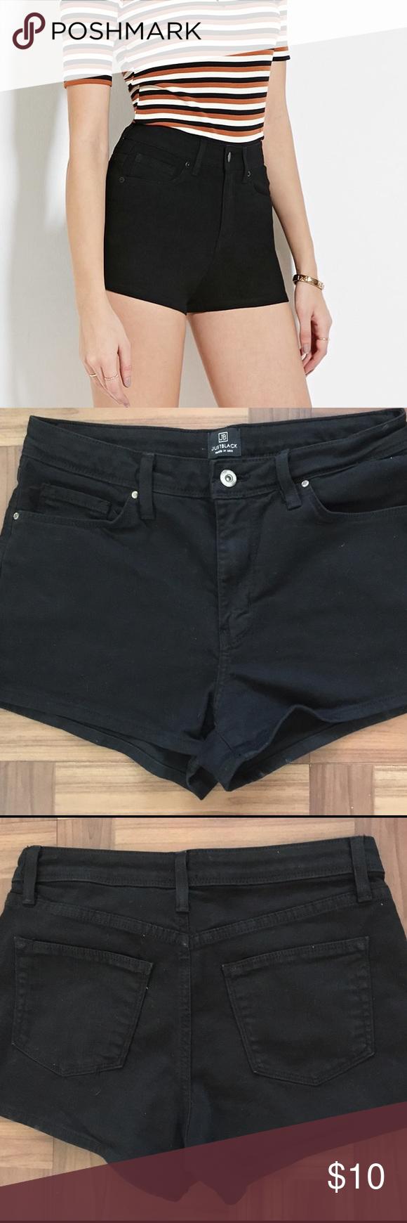 Sale!! Black denim shorts 👽 Black denim shorts. Size small. Like new Forever 21 Shorts Jean Shorts