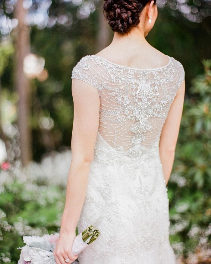 17 Lace wedding dresses with cap sleeves for feminine brides