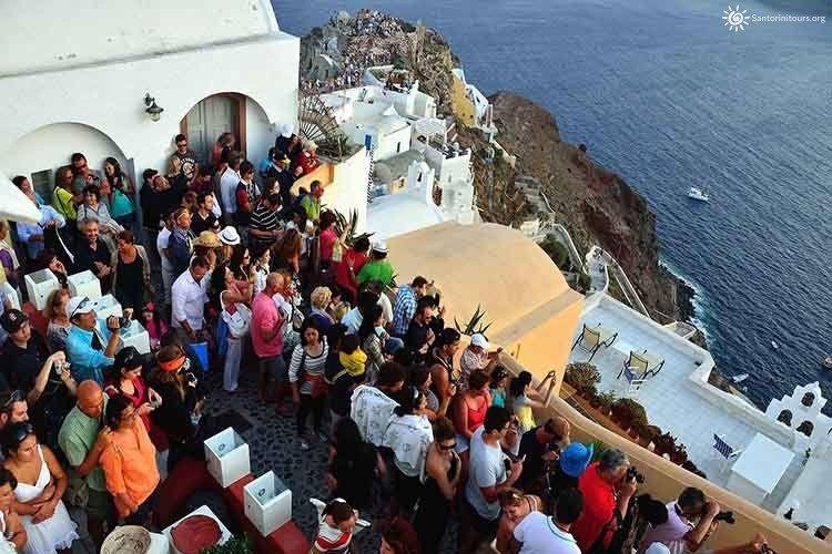 Santorini tours daily tours