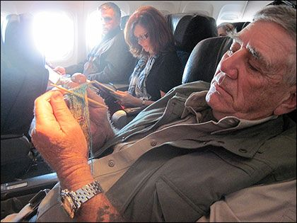 R. Lee Ermey learns to knit socks. WWI and WWII troops used to knit new boot socks from worn out old ones and torn sweaters.