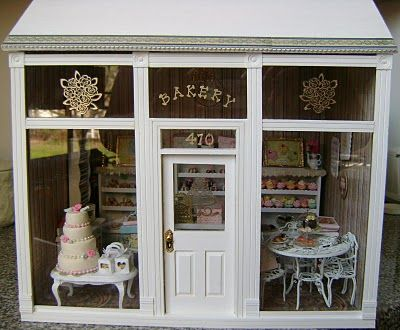 Baking In Miniature: April 2010  Adorable Cake shop
