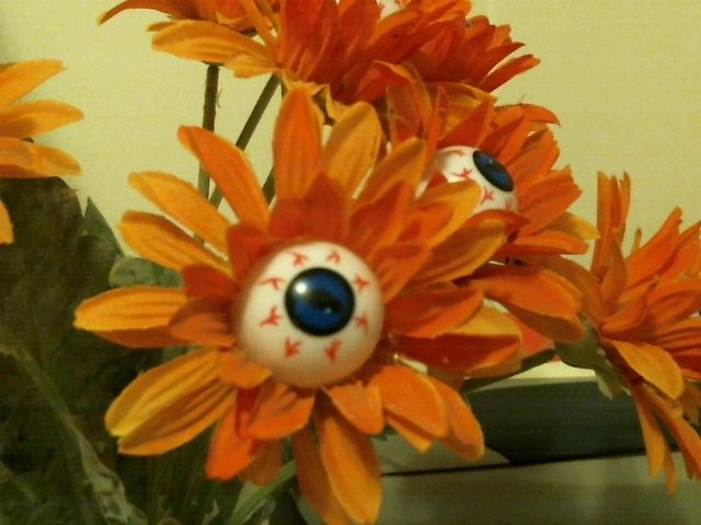Diy Eyeball Flowers Excellent To Dress Up An Empty Vase Thats
