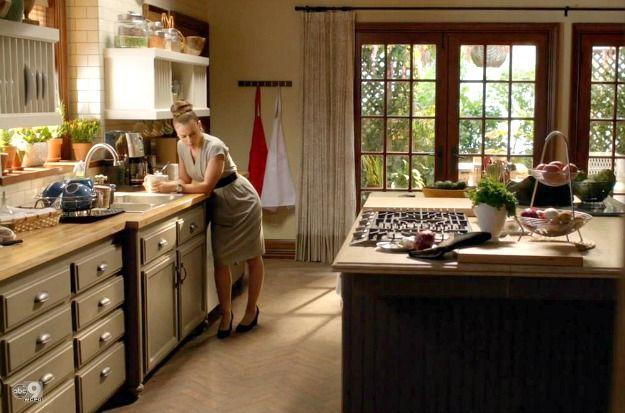 Alyssa Milano S Kitchen On The Tv Show Mistresses Tvs