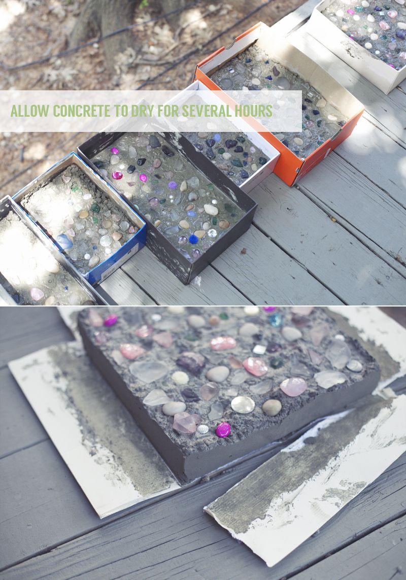 Diy Stepping Stones Diy Concrete Stepping Stones Diy Tutorial And Concrete Stepping