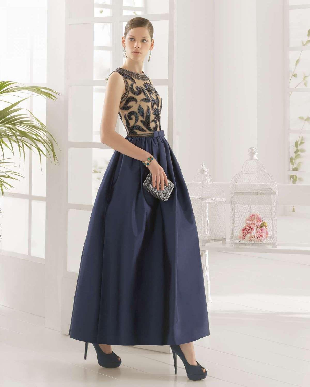 a9592ed99a7 #Vestido de #Tafetán #Seda y #Pedrería un #Diseño muy elegante y sofisticado