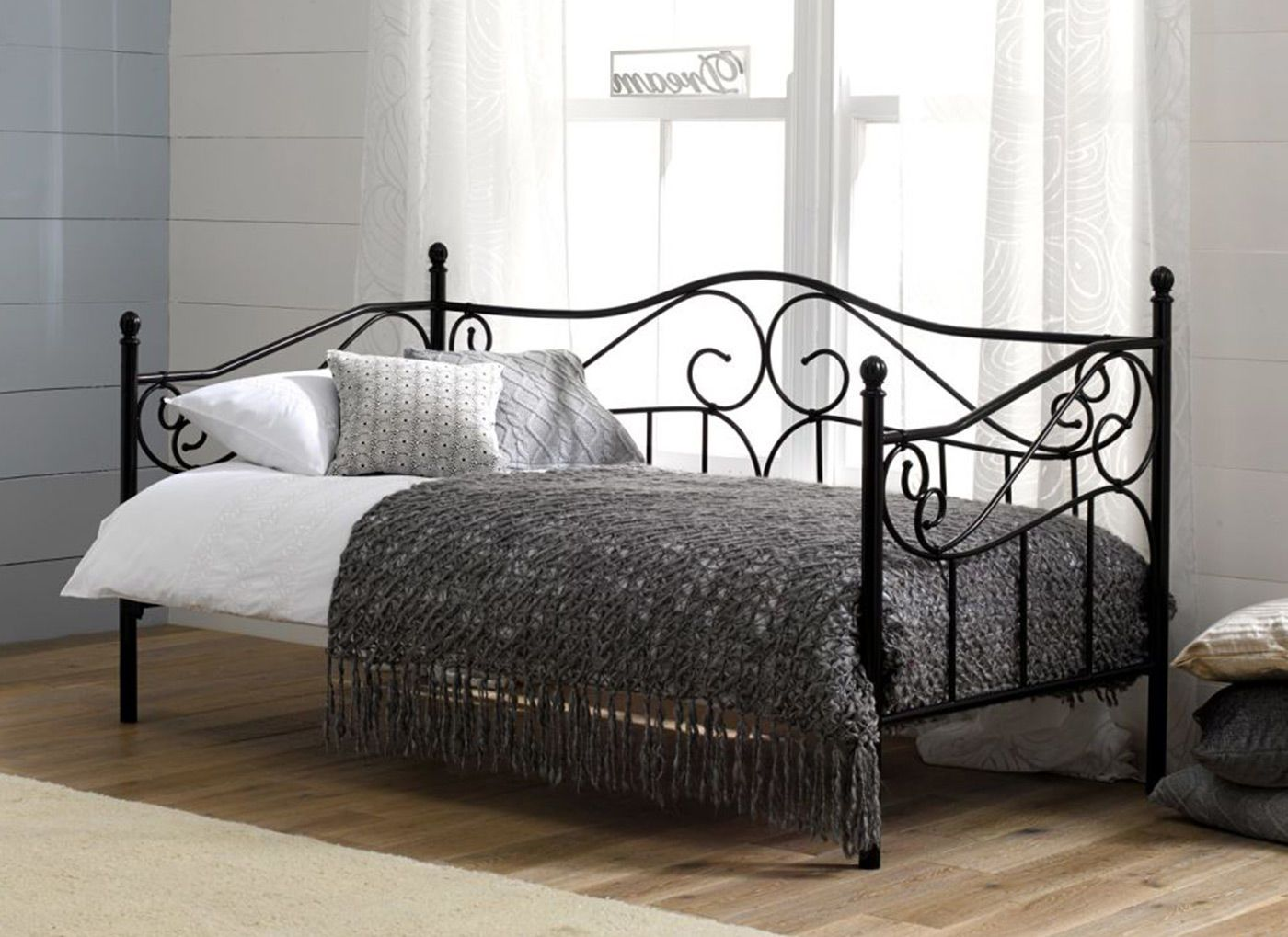 For an elegant day bed, our Amy bedstead couldn't be more