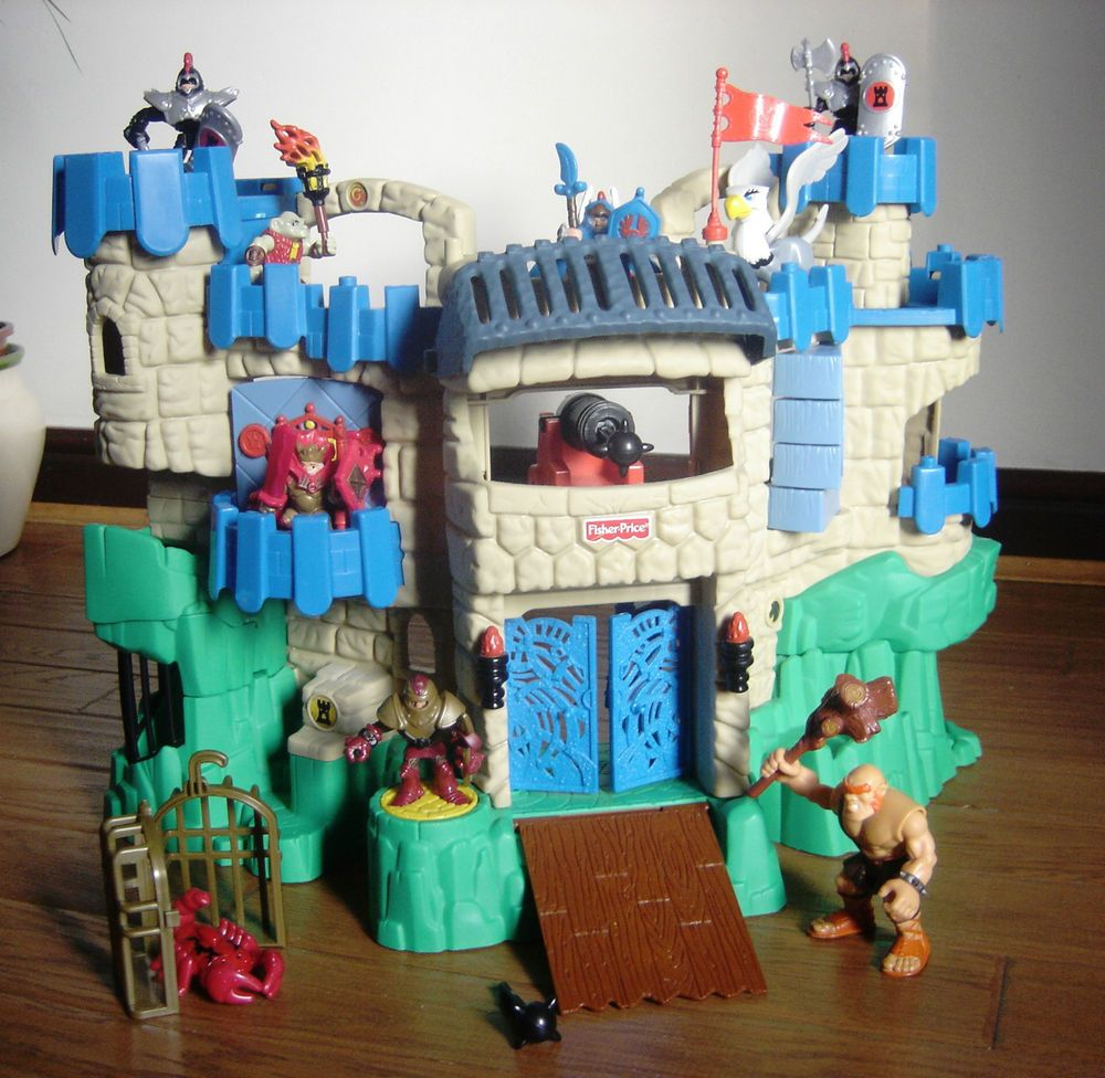 Fisher Imaginext Adventures Castle With Figures