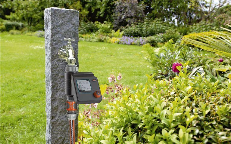 Zeitsparende Bewässerungssteuerung - GARDENA