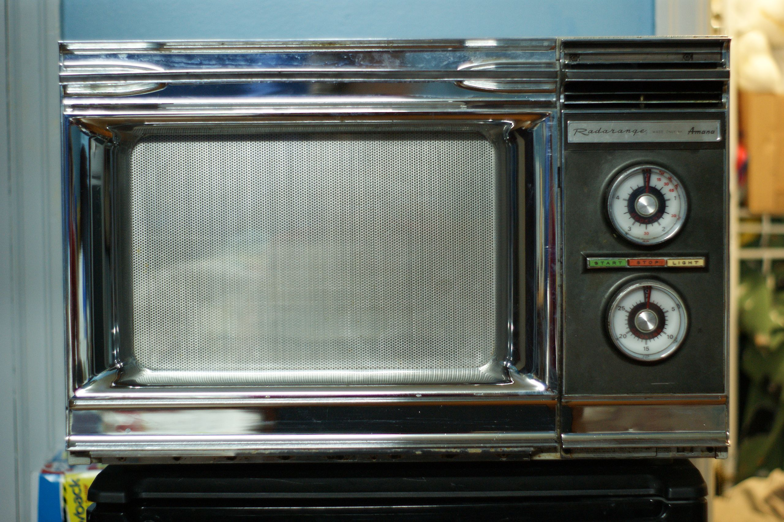 1971 Radar Range Rr 4 By The Late 1970s Technological Advances Led To Rapidly Falling Prices Often Called Electronic Ovens I Microwave Oven Oven Microwave