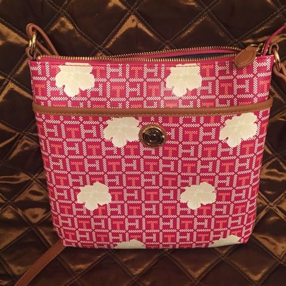 """Tommy Hilfiger crossbody purse 10"""" tall and 10 1/2 """" wide.  Carried one time. Tommy Hilfiger Bags Crossbody Bags"""