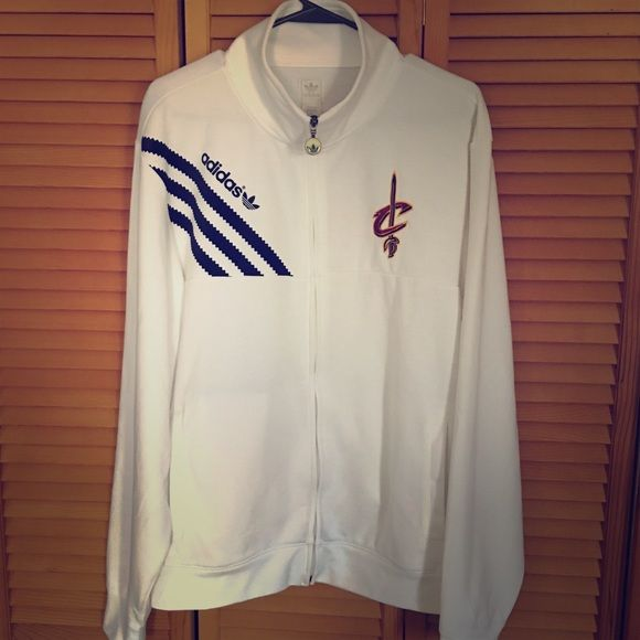 Cleveland Cavs 🌟 THE new CHAMPIONS OF NBA EUC delicately worn and handwashed sand hung dry! This was babied as it was my BEsties favorite, she liked looking at it more than wearing...size unisex large...all white (back is plain) Adidas Jackets & Coats