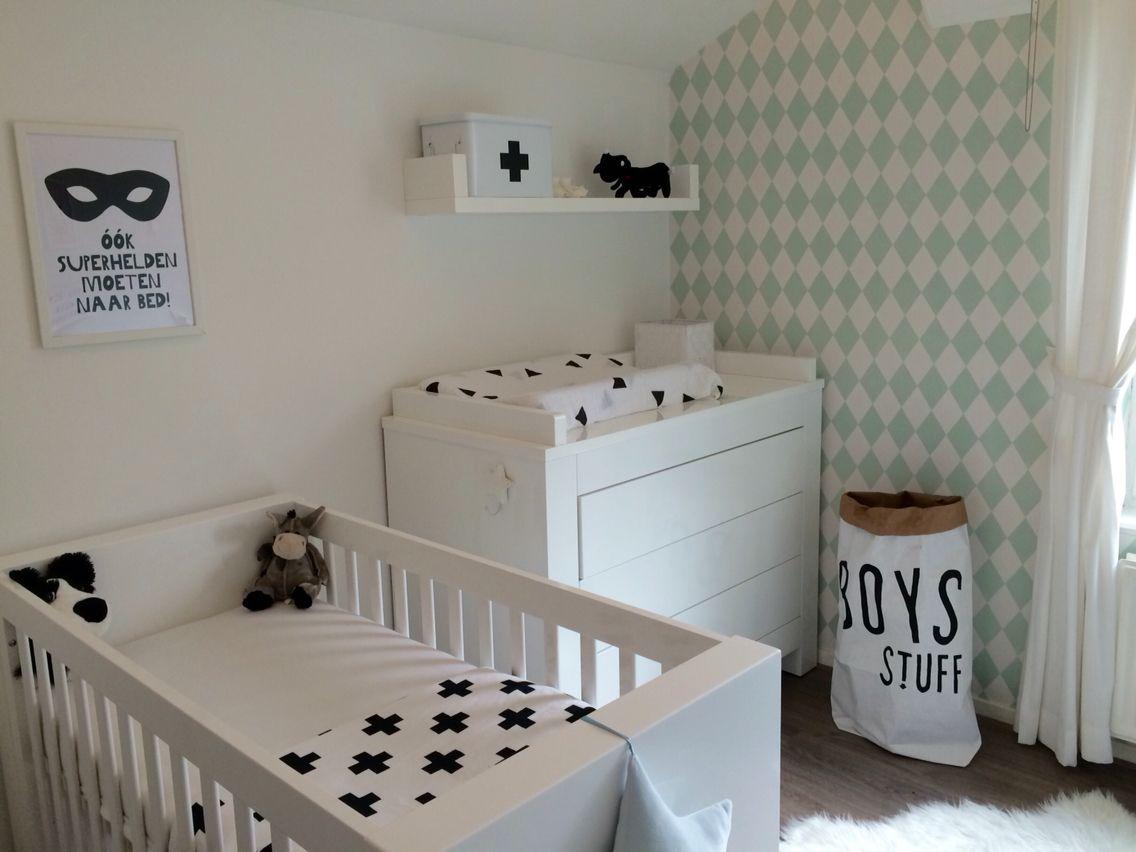 de babykamer vraagt ernaar om gebruikt te worden. #zwart #wit, Deco ideeën