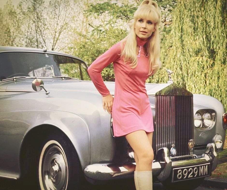 Photo of Barbara Eden  - car