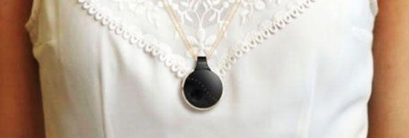 Alguna vez has visto a una mujer con este pequeño circulo negro? ESTO es lo que significa