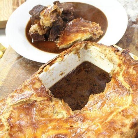 Classic steak pie | Steak pie, James martin recipes ...