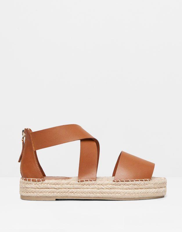 R YuteW O Bearsandalia B D Pullamp; E SandalsShoesFootwear A fgy76b