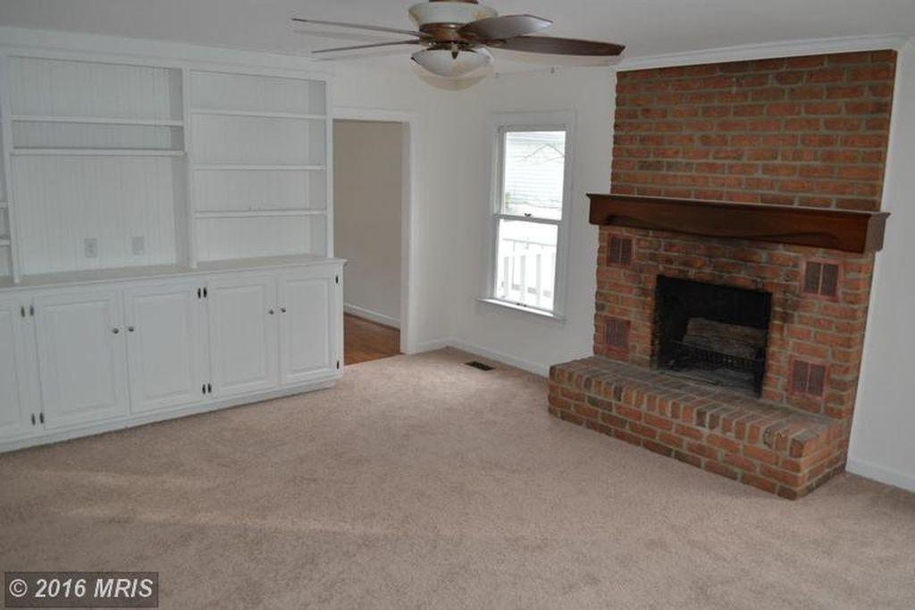 Martinsburg Home For Sale Built In Bookshelf Family Room Home