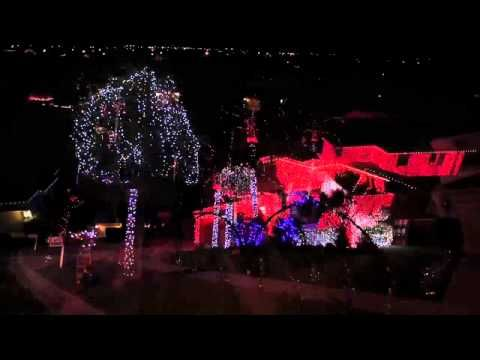 amazing christmas lights - Darude - Sandstorm (techno) - Amazing Christmas Lights - Darude - Sandstorm (techno) CHRISTmas