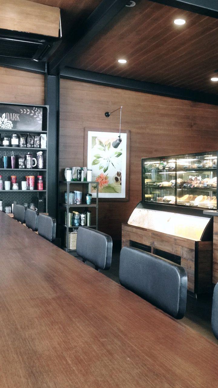 Starbucks, Graha Pena Surabaya, Indonesia (Dengan gambar