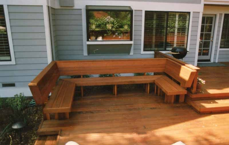 A Redwood Bench With Backs Built In A U Shape For Wonderful Area For Friend And Laughter Patio Seating Deck Bench Deck Bench Seating