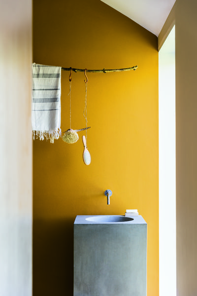 Use A Bright Yellow Such As This Earth Glaze 4 Shade To Bring A
