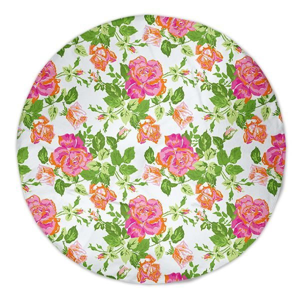 UncommonWares Classic PinkRoses Round Beach Towels