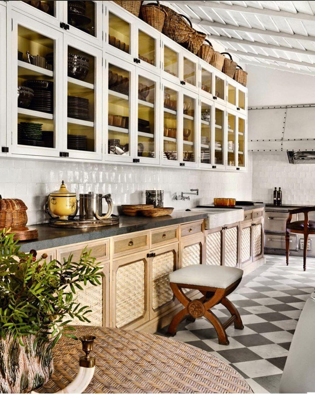 Decorator Dealer On Instagram Lorenzocastillofe Decorator Design Chic T In 2020 Country Kitchen Designs Kitchen Design Beautiful Kitchens