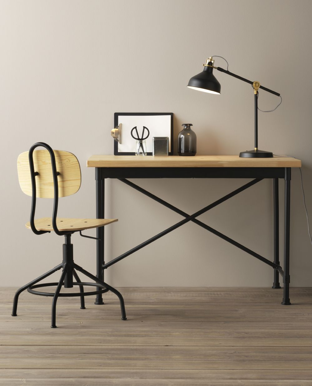 In anteprima il nuovo catalogo IKEA 2017 Desks Ikea inspiration