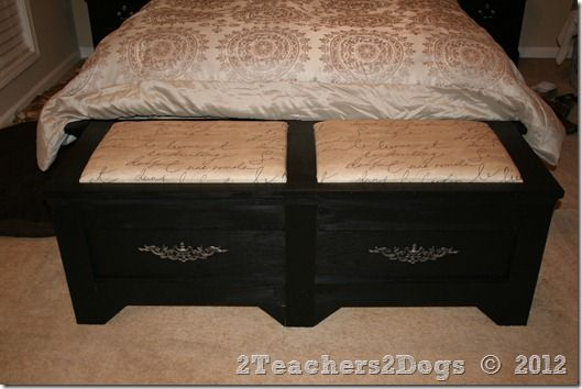 2 Teachers 2 Dogs Footboard Blanket Chest Lots Of Pictures Blanket Chest Furniture Rehab Bedroom Diy