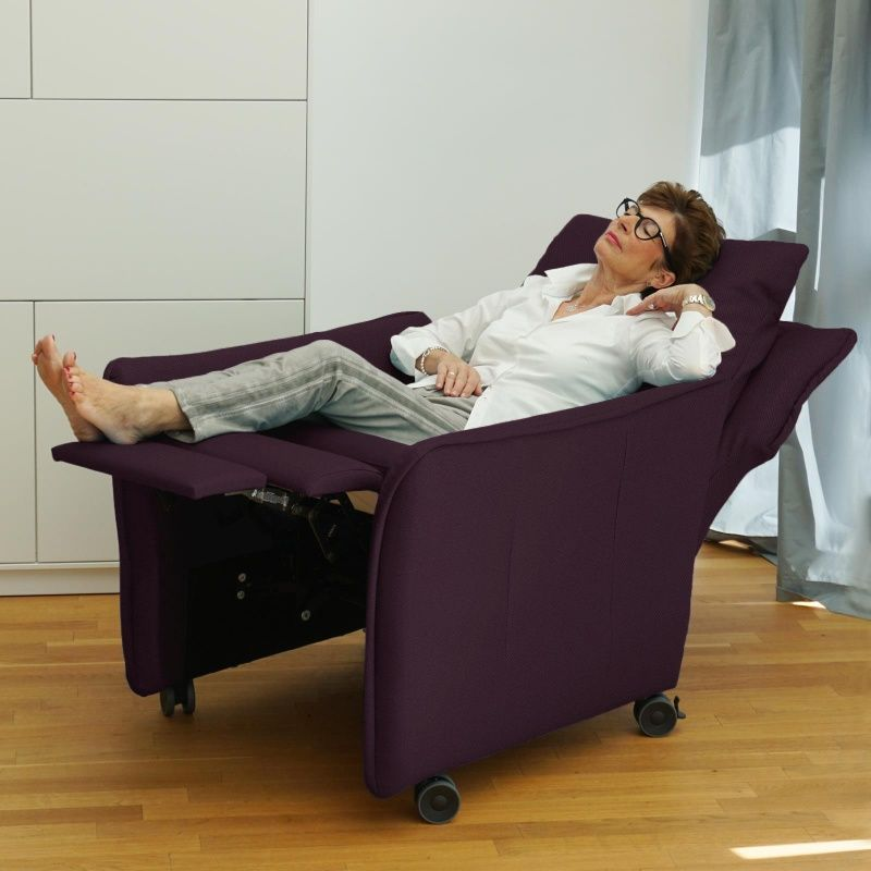 Relaxsessel Insideout Wheels Small 13 Cm Schmaler Aubergine Elektri In 2020 Relaxsessel Relaxen Sessel