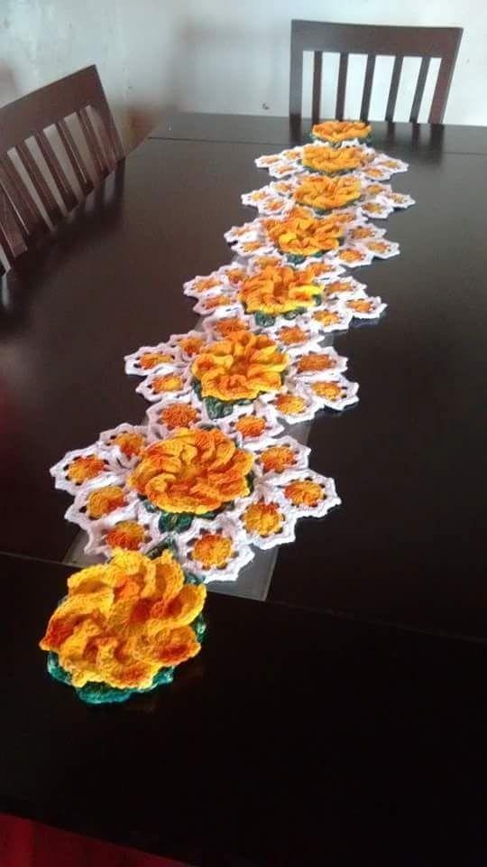 Caminos de mesa crochet caminos de mesa caminos y mesas for Centros de mesa de ganchillo