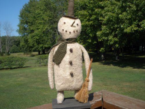 ADORABLE-PRIMITIVE-GRUNGY-SNOWMAN-W-BROOM-RUSTY-BELLS-20-TALL-HAPPY-PUMPKIN-DAYS